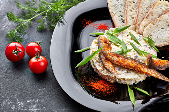 Масло со шпротами или сардинами
